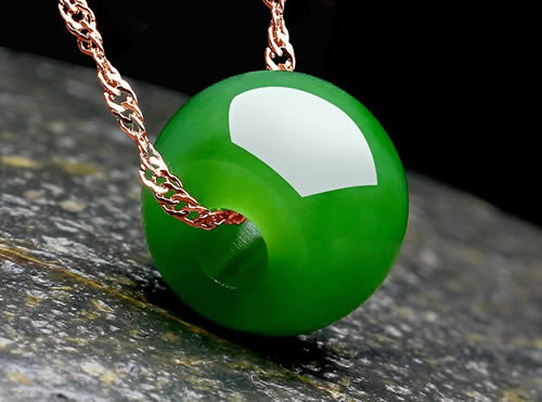 原矿绿松石一定比微沁绿松石好吗?