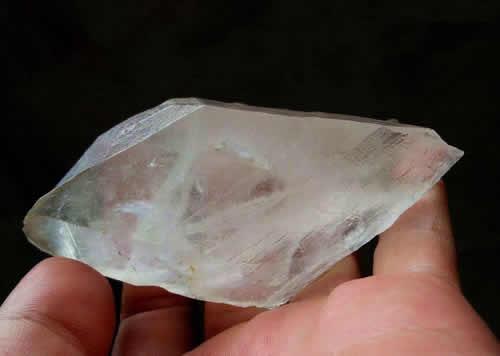 玛瑙和水晶哪个更好更值钱?