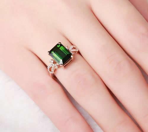 玉石戒指佩戴寓意